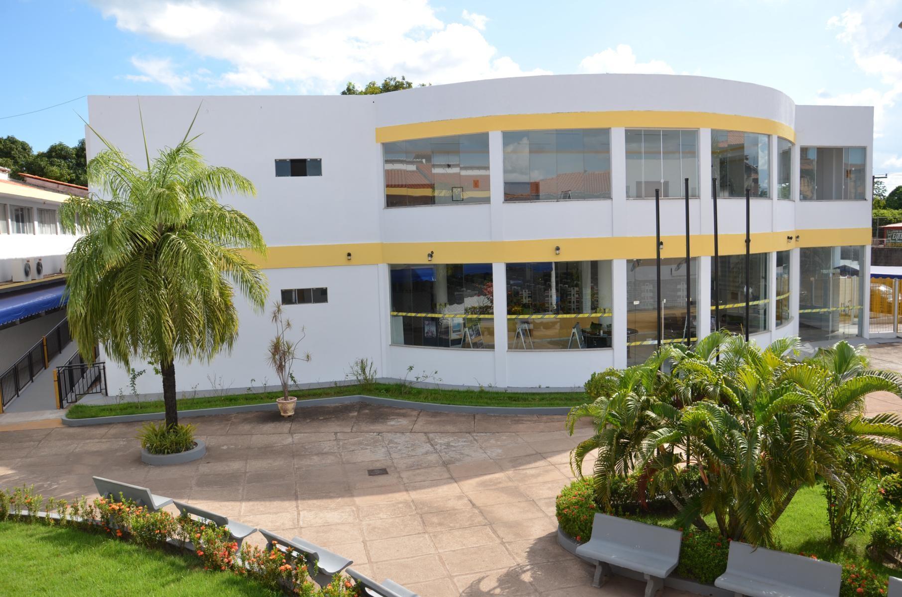 FEST - Faculdade de Educação Santa Terezinha